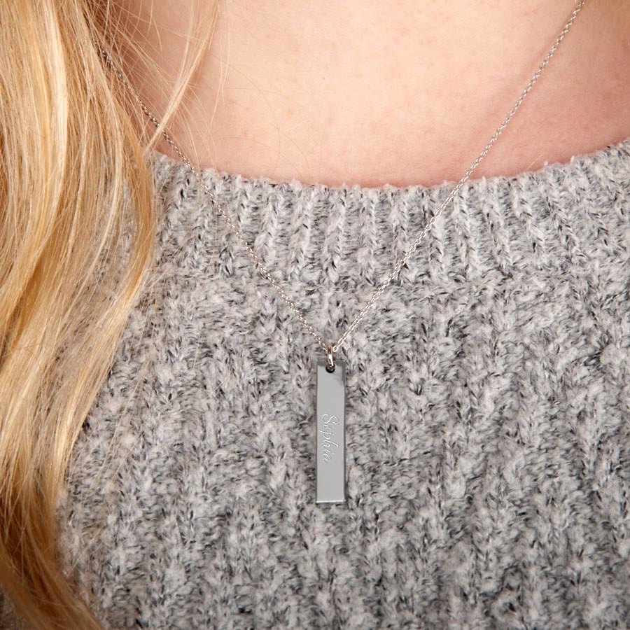 Silver bar necklace with name - Portrait