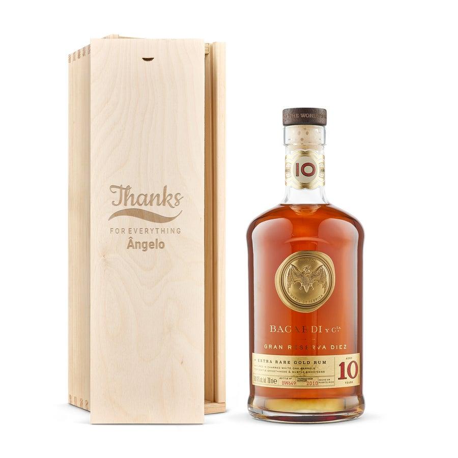 Rum Bacardi Gran Reserva Diez em caixa gravada