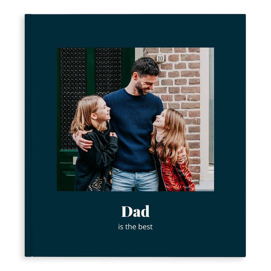 Yksilöitävä kuvakirja isälle - XL- kovakantinen - 40 sivua