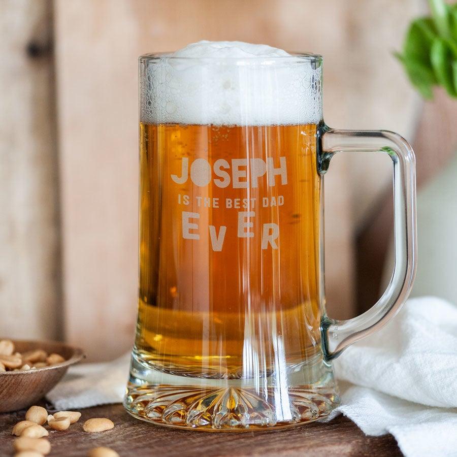 Isänpäivän oluttuoppi kaiverruksella