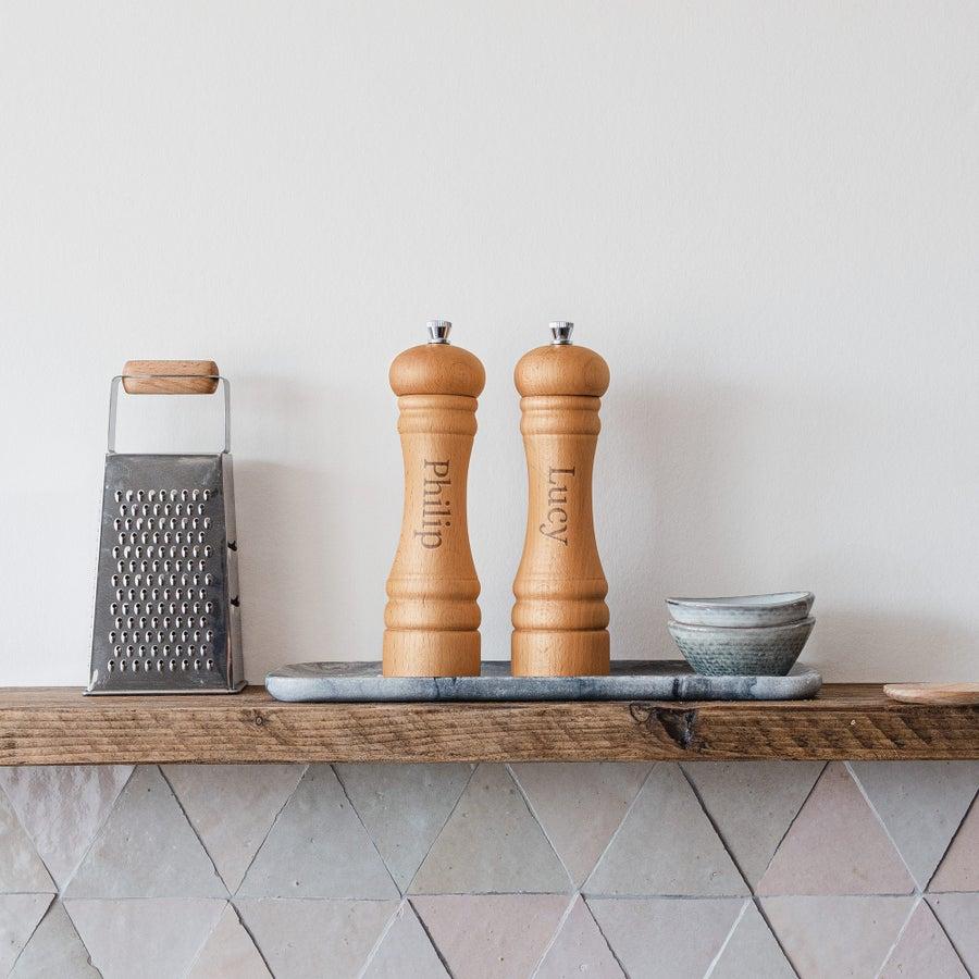 Personalised salt & pepper grinder set