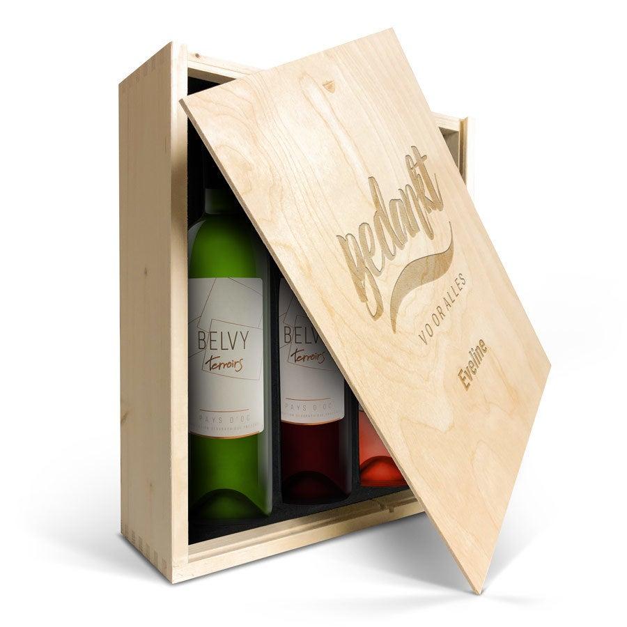 Wijnpakket in gegraveerde kist - Belvy - Wit, rood en rosé
