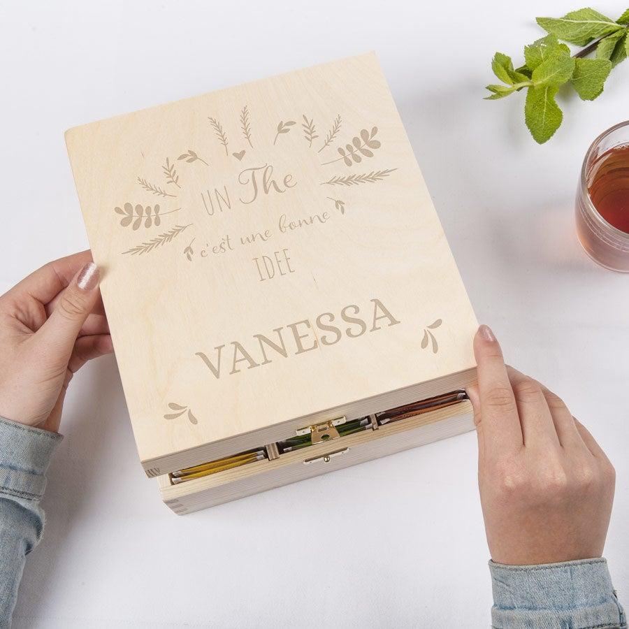 Boîte à thé en bois avec couvercle gravé