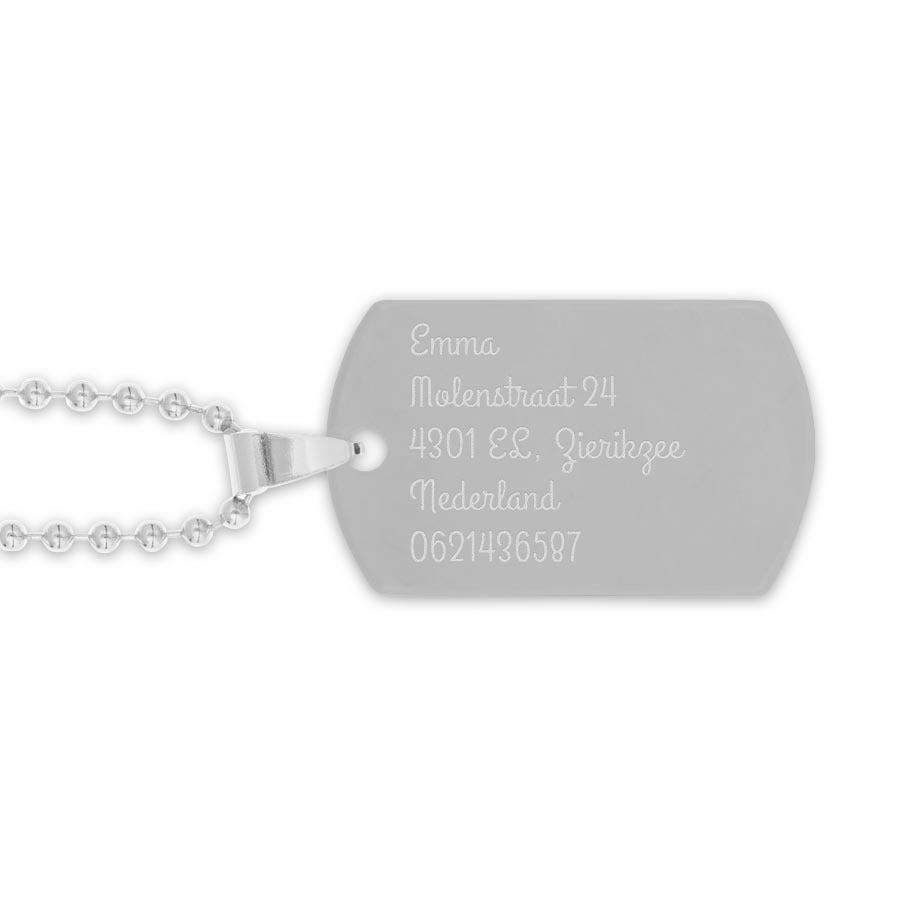 Zilverkleurig naamplaatje incl. ketting