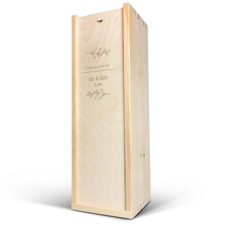 Viinikotelo - Magnum - Kaiverrettu kansi