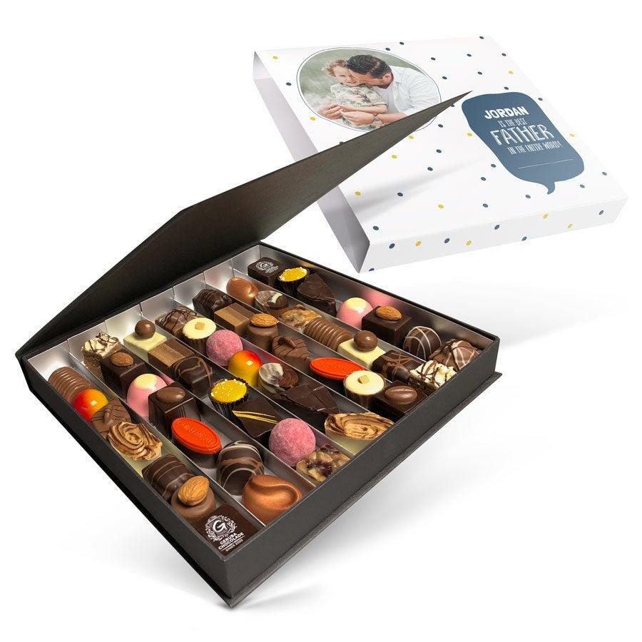 Luksus bonbon gaveeske - Farsdag - sett med 49