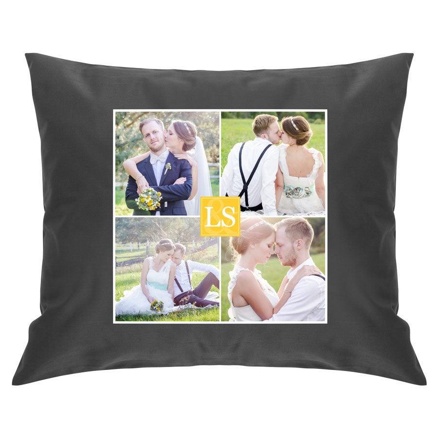 Iso tyyny omalla kuvalla - täytteellä - tummanharmaa