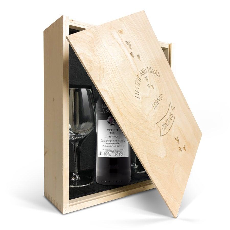 Coffret vin rouge avec 2 verres - Maison de la Surprise Merlot - Couvercle gravé