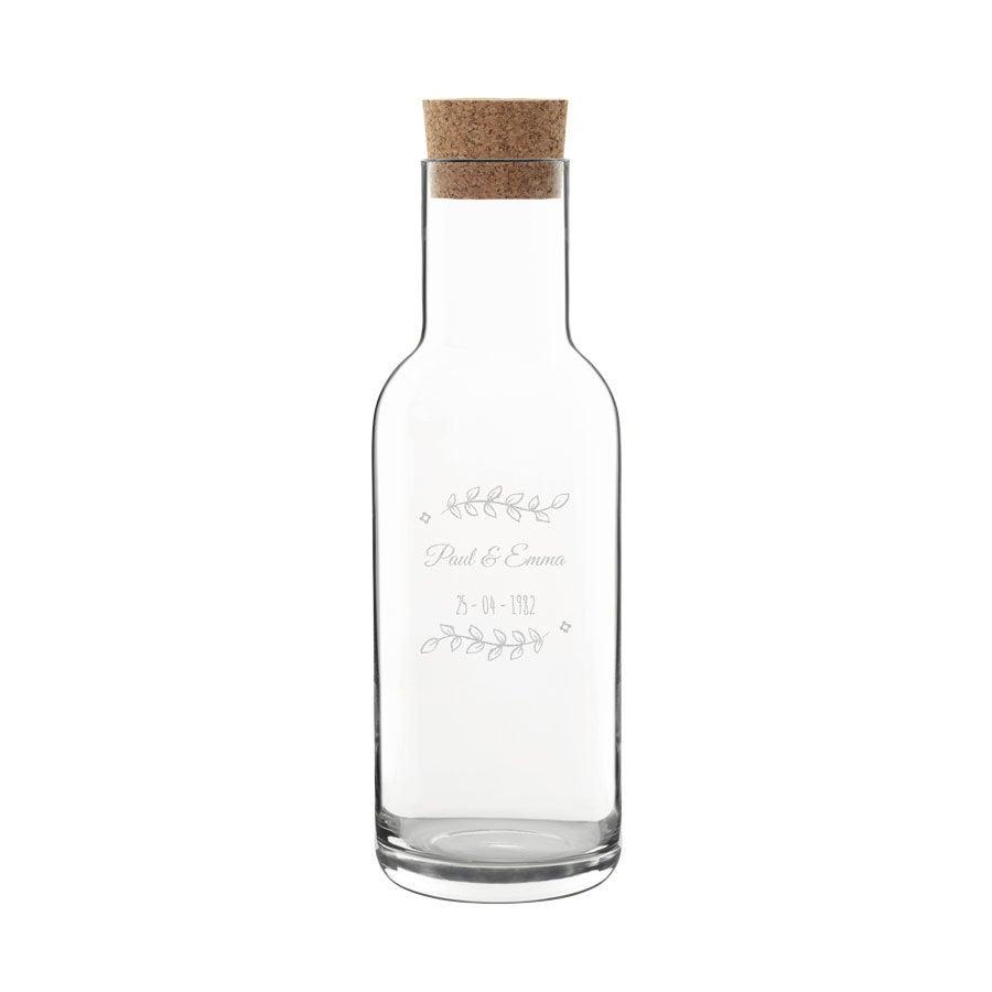 Garrafa de vidro com rolha de cortiça