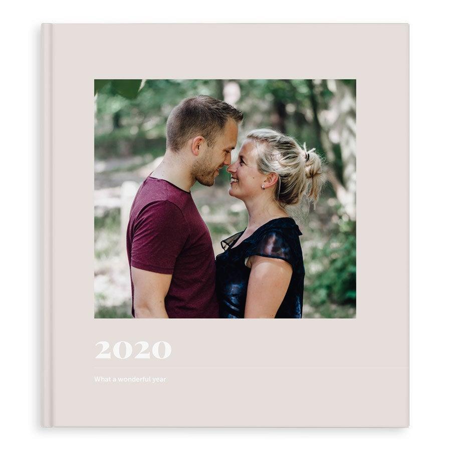 Momenten fotoboek maken - Jaarboek - XL - Hardcover - 40 pagina's