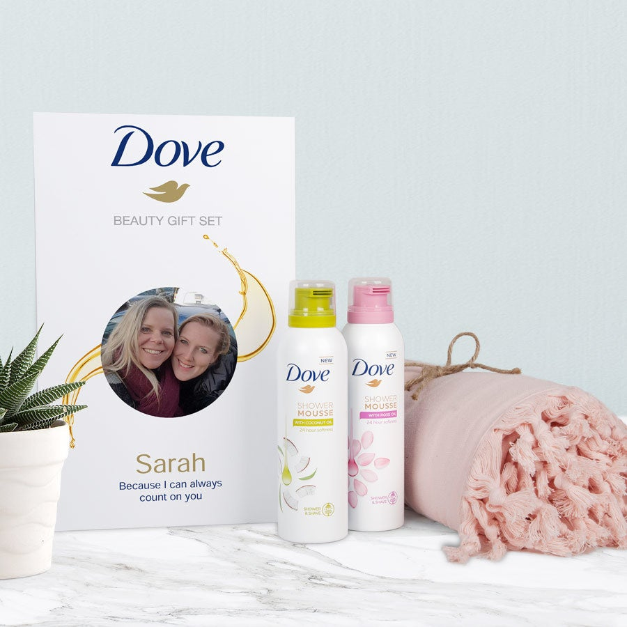 Dove – Personaliseret gavesæt med skumbad og hammamhåndklæde