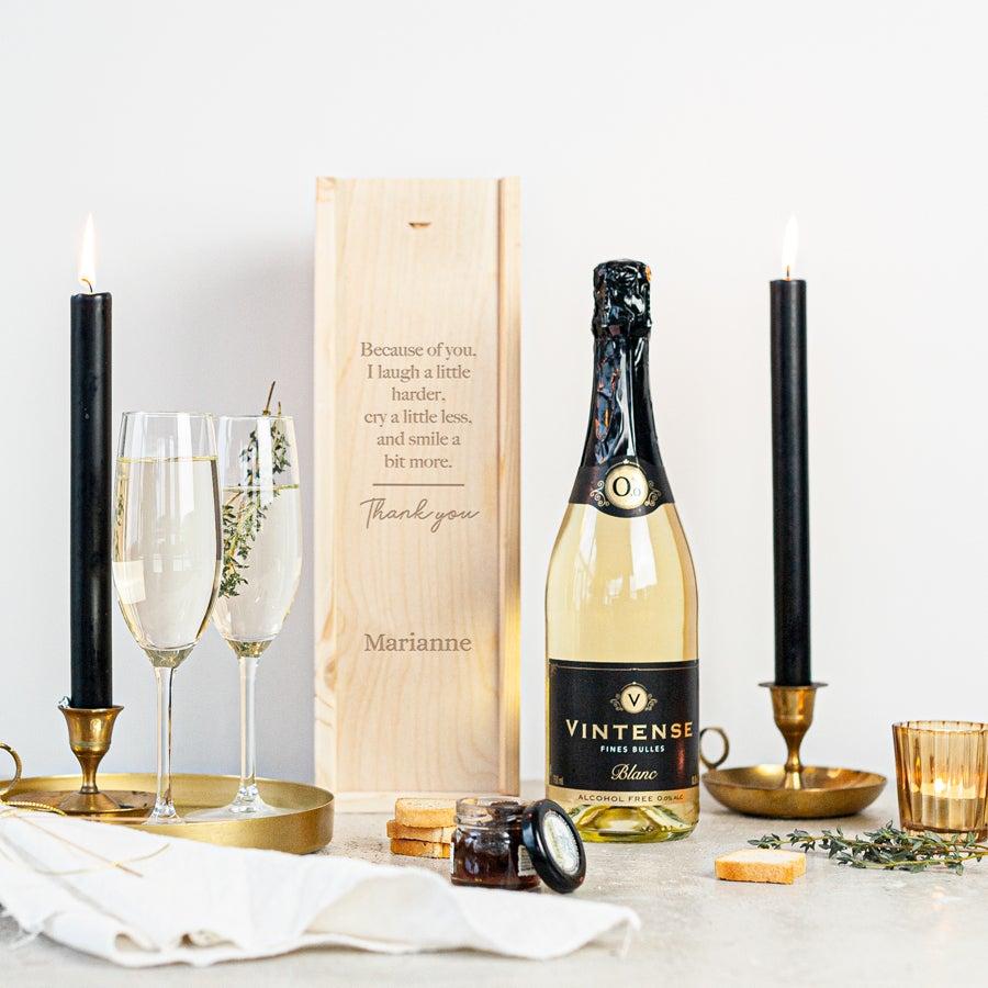 Wijn in gegraveerde kist - Vintense Blanc alcoholvrij