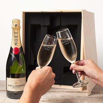 Conjunto de champanhe com copos