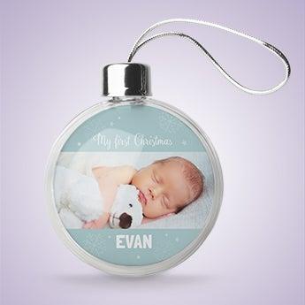 Babys erste Weihnachtskugel