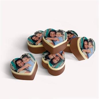 Suklaakonvehti kuvalla
