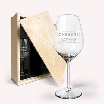 Caja para vino + Copas