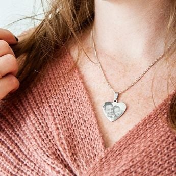 How it's made: Necklace pendants