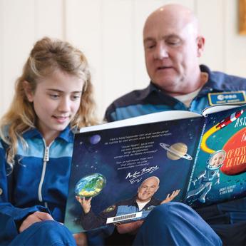 André Kuipers vertelt over 'De kleine astronaut' kinderboek
