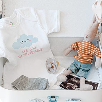 Pregnancy announcement gifts